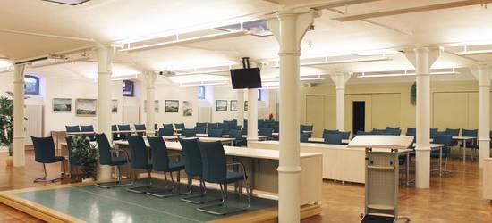 Blick über das Präsidium in den Tagungsraum ©LK NWM